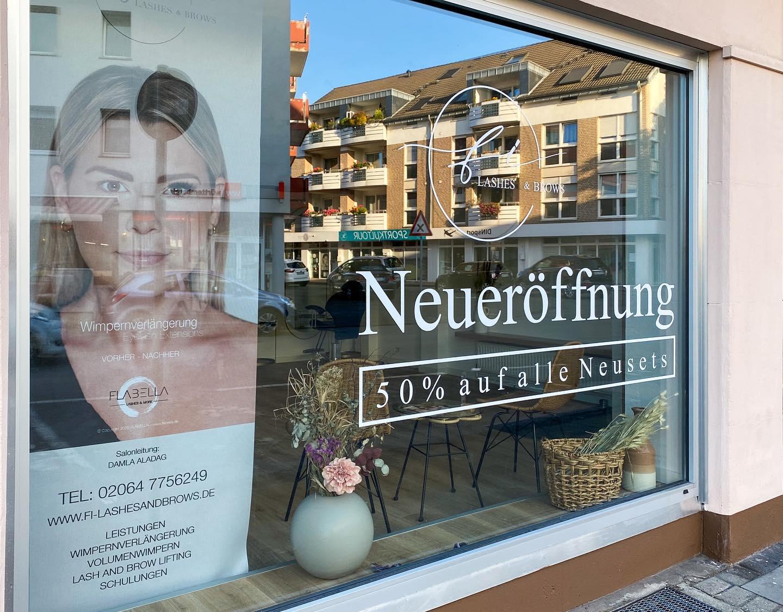 Fensterwerbung_LashesandbrownLifting